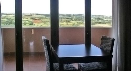 Apartament el Cel: Menjador amb sortida a la terrasa