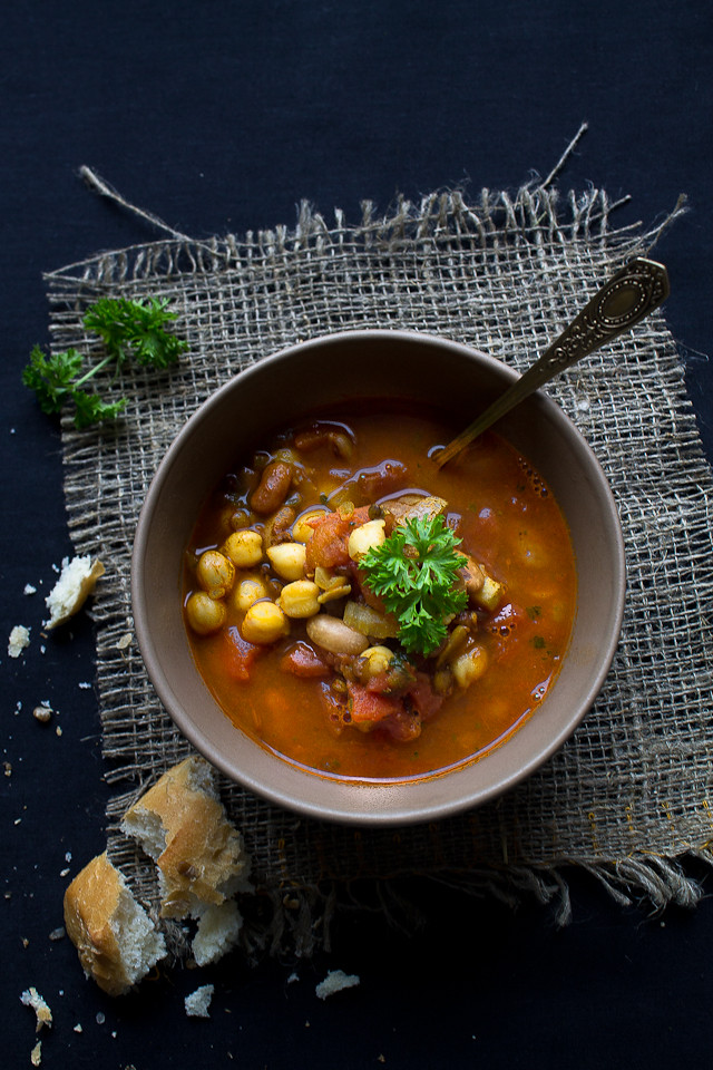 Cinnamon-Scented Chickpea and Lentil Soup