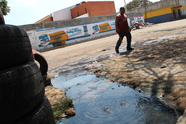 Huecos y AguasNegras en La Victoria (2)