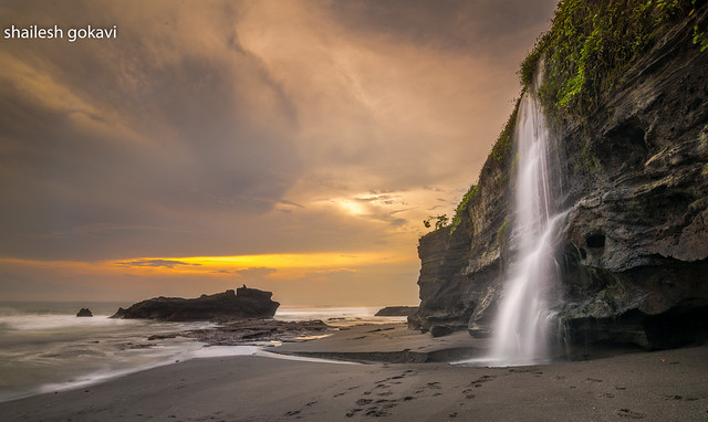 Melasti Beach , Bali.