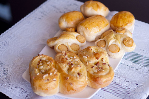 assorted buns with same dough recipe