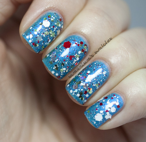 Jindie Nails Elfing Around (2)