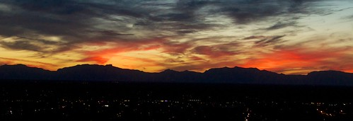 city sunset red sky mountains newmexico clouds lights evening darkness newmexicomuseumofspacehistory afsdxvrzoomnikkor18200mmf3556gifedii