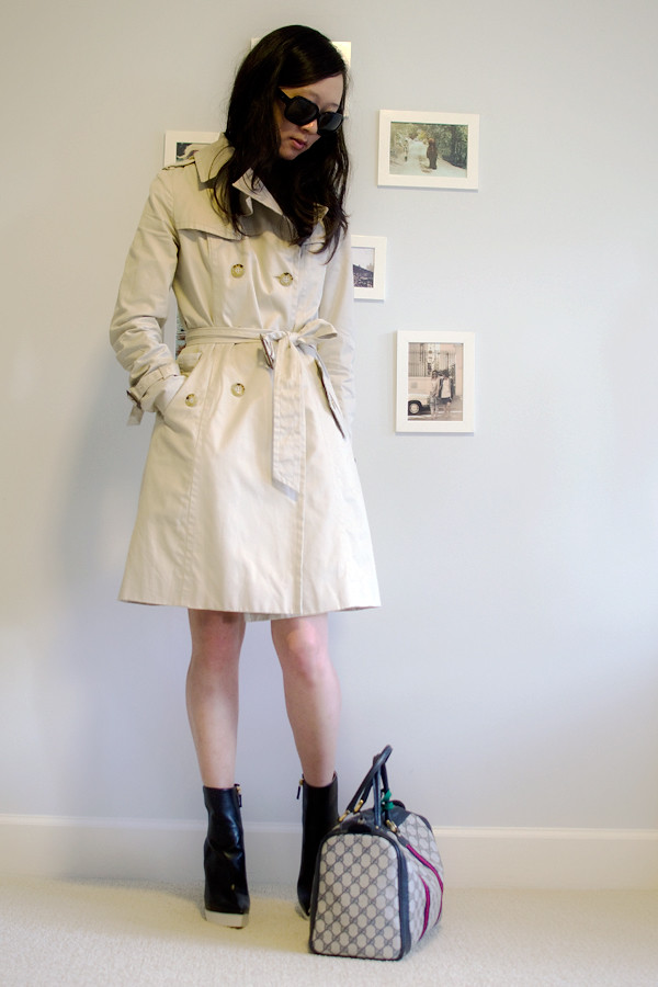 trenchcoat-uniqlo-stellamccartney-fauxleatherboots-gucci-boston-doctor-bag