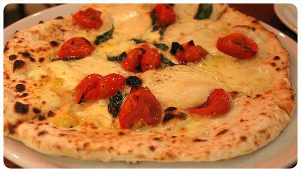 pizza at siamo nel forno