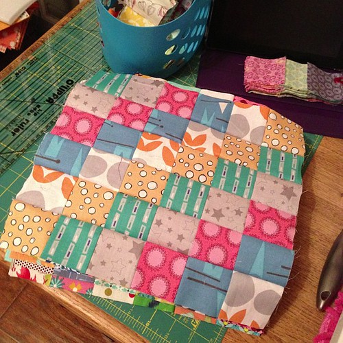 8:365 14 more #scrappytripalong blocks done. Only 12 more to piece.