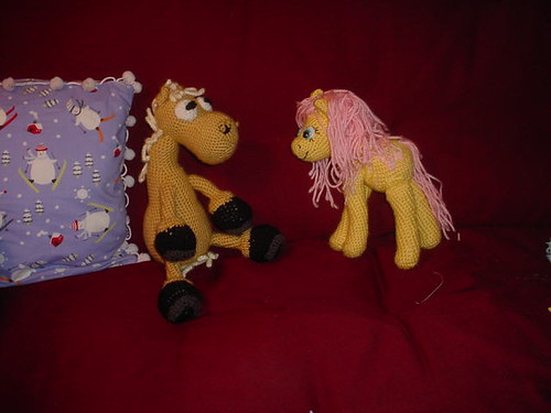 Fluttershy does not know quite what to make of Mr. Ed