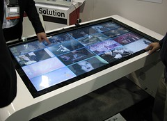 Zoom Digital Signage Multi Touch Table