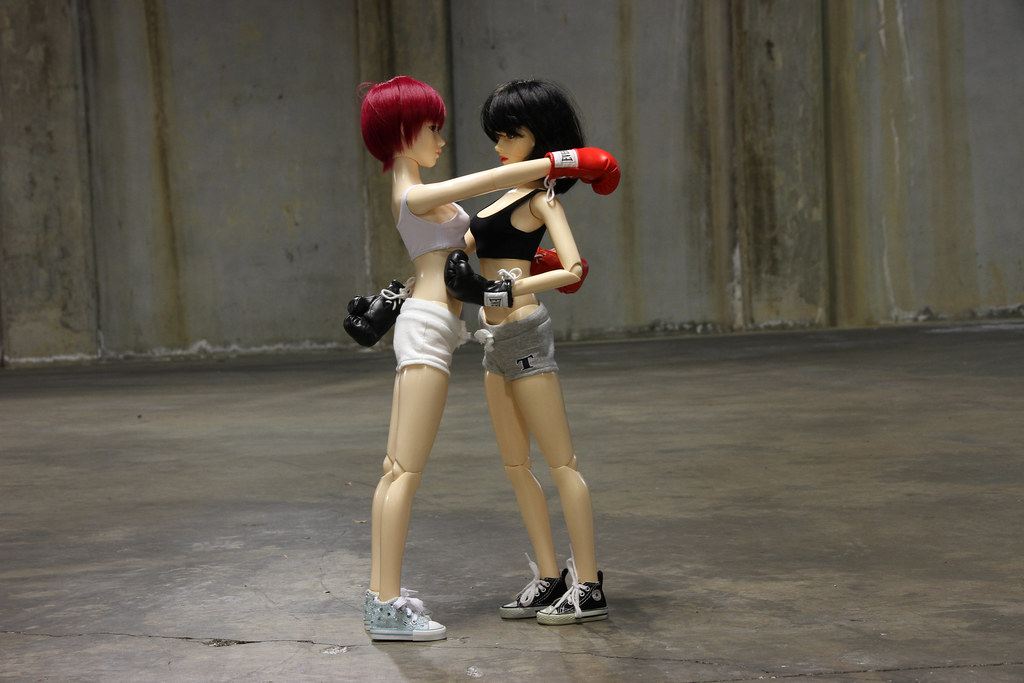 Girl's Fight Club 01