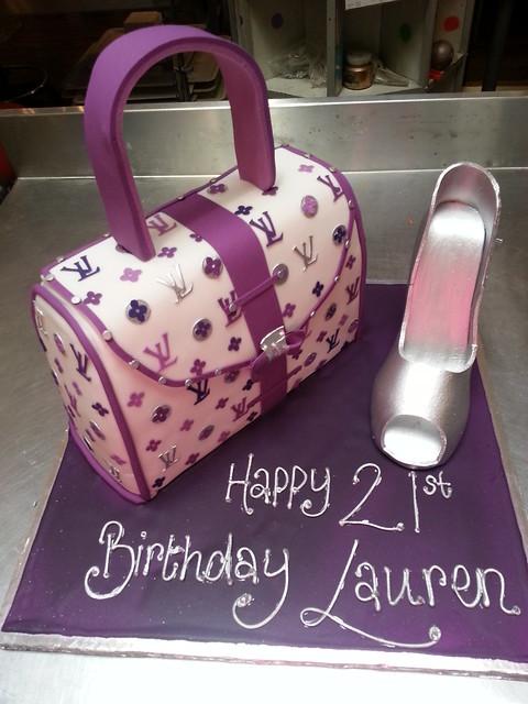 How To Make A Handbag Shaped Cake