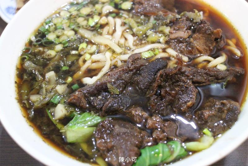 阿嬌牛肉麵【三重美食小吃】藏在市場的好吃牛肉麵,阿嬌南北麵食館
