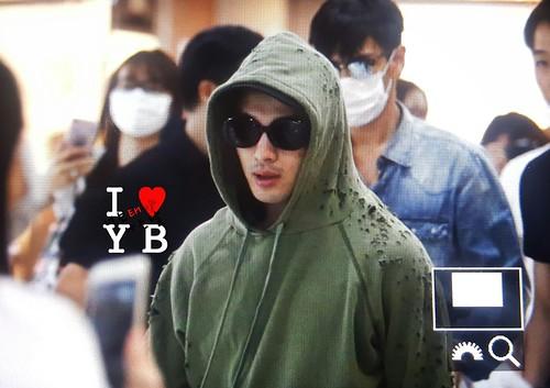 BIGBANG wout Seungri departure Seoul to Tokyo 2016-08-26 (11)