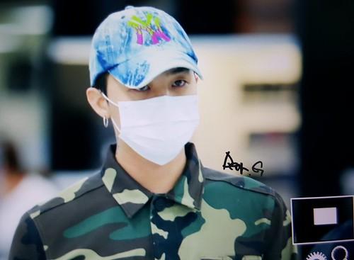 BIGBANG wout Seungri departure Seoul to Tokyo 2016-08-26 (35)
