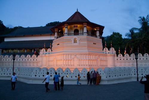 architecture tooth temple sri lanka sacred kandy relic dalada maligawa