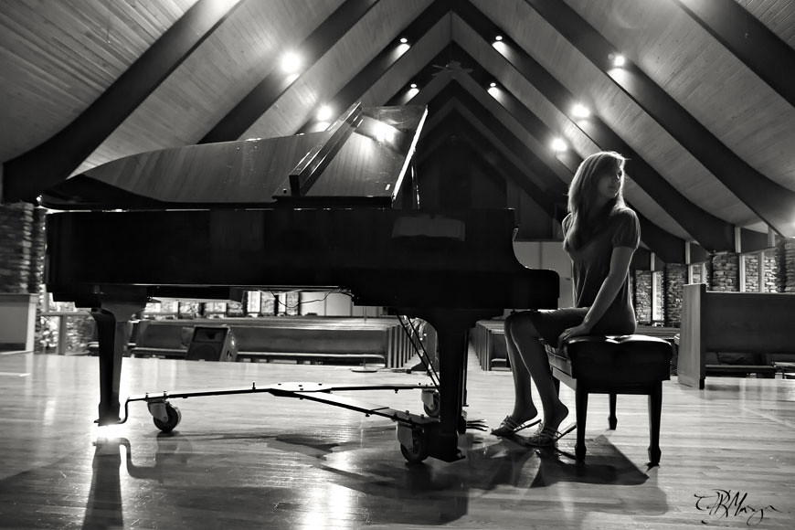 B&W_Piano_Mount_Pisgah_Academy_Church