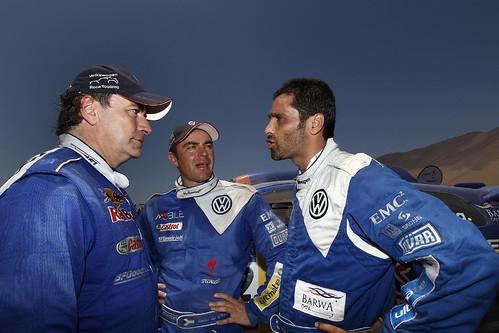 Nasser Al-Attiyah y Carlos Sainz en su etapa con Volkswagen en el Dakar