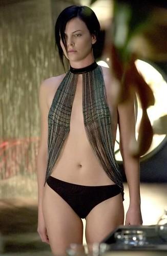 Charlize Theron Sexy Pics