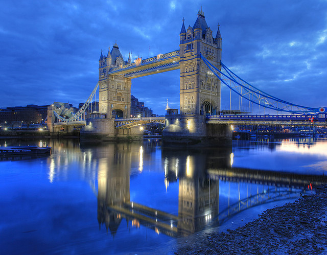 london, tower bridge, blue hour, uk city breaks