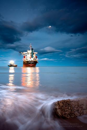 valencia barco luna panama rescate varado largaexposición elsaler marmediterraneo encallado flickraward dragadora aguaenmovimiento pedrojzamora accidentemarítimo bslesunrise