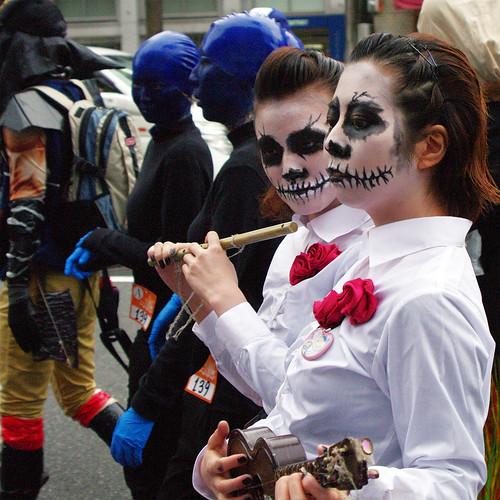 Kawasaki-Halloween-2012-Parade-32-IMGP1393-cropped