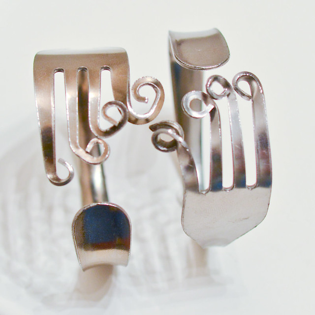 How to Make a Curly Fork Bracelet