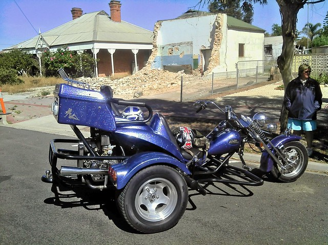 how to ride an oztrike
