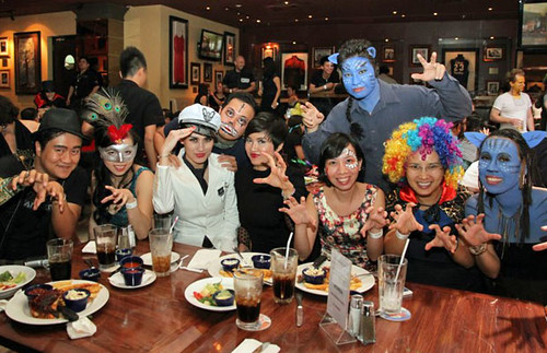 <p>UH Manoa Executive MBA in Vietnam program Halloween bash</p>