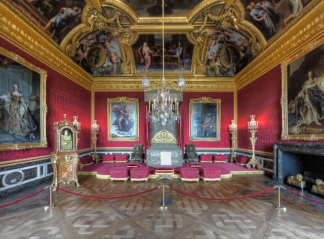 This is versailles the king 39 s grand apartments for Salon du vin versailles
