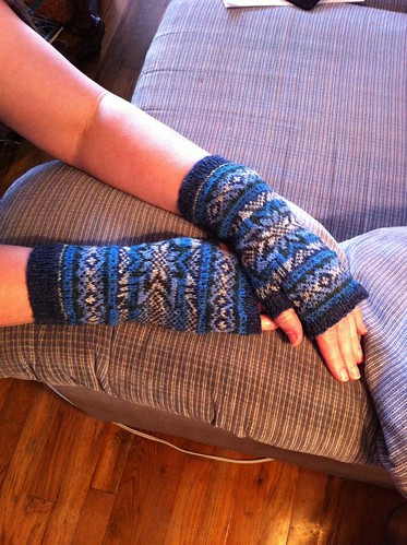 Snowflake Fingerless Gloves finished! by BlueDragon2