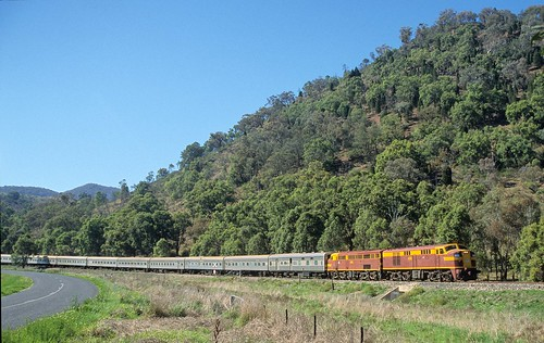 4306 and 4490 approaching Mudgee, Mudgee Branch, NSW, 30th September, 2001.