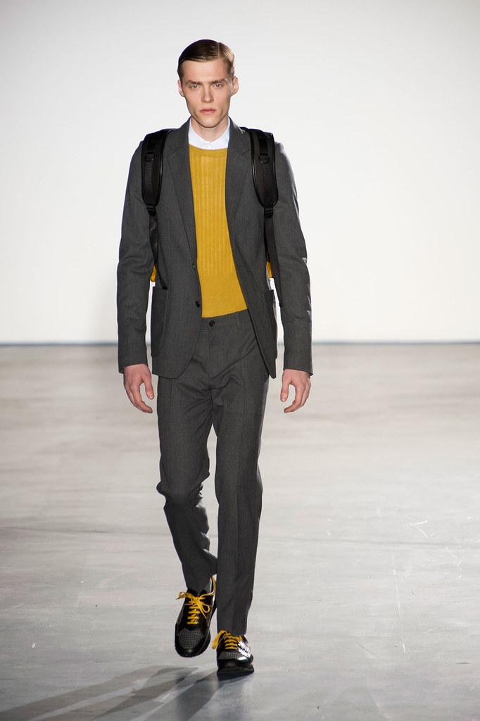 FW13 Paris Wooyoungmi007_Michal Bilinski(fashionising.com)