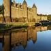 Josselin Château Evening Light Reflected 2016-08-15 by User:Colin