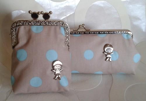 O conjunto  em tecido impermeável by Linhas Arrojadas Atelier de Costura ® Trademark