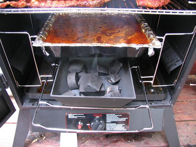 Help Please Wood Chips Turning Black Smoking Meat