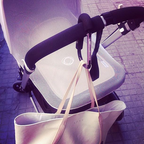 Il mio #bugaboo con gancio porta borse e' differente #pregnant #madre #maternità #maternity