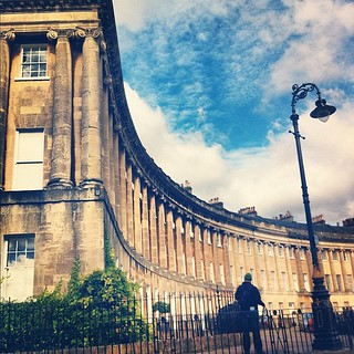 The Royal Crescent and a very small @alpower #bath