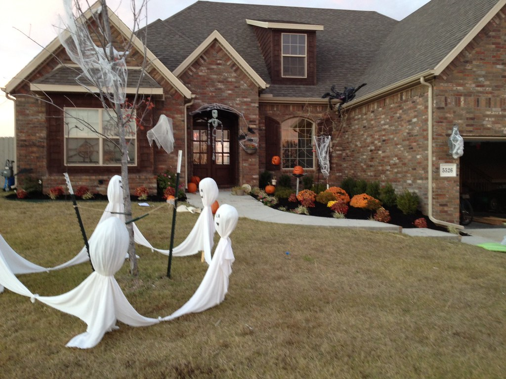 Easy outdoor fall decorating ideas - Quick Easy Outdoor Halloween Decorations