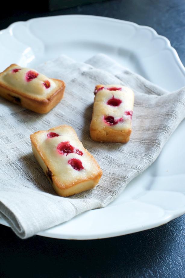 currant cakes