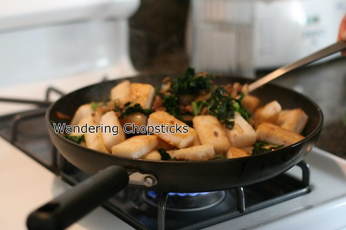 Banh Bot Khoai Mon Chien Xao Cai Xoan (Vietnamese Fried Taro Cake Stir-Fried with Kale) 15