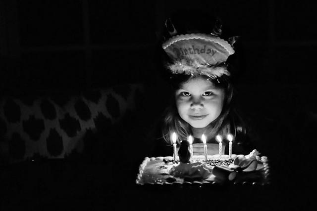 close cake