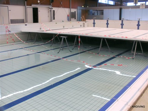Leeg pompen van het zwembad