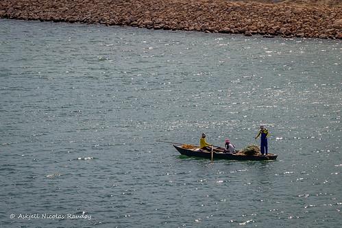 egypt maritime suez suezcanal boat canal fishnets fishing rowboat askjell