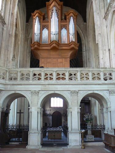 jubé et orgues.jpg