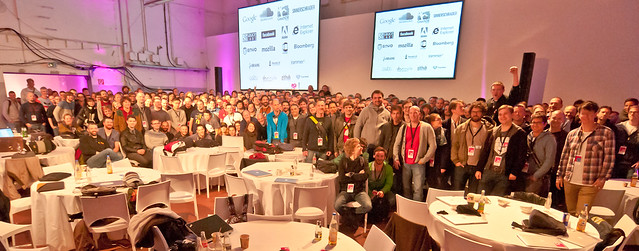 """Photo de famille JSConf.EU 2012"""