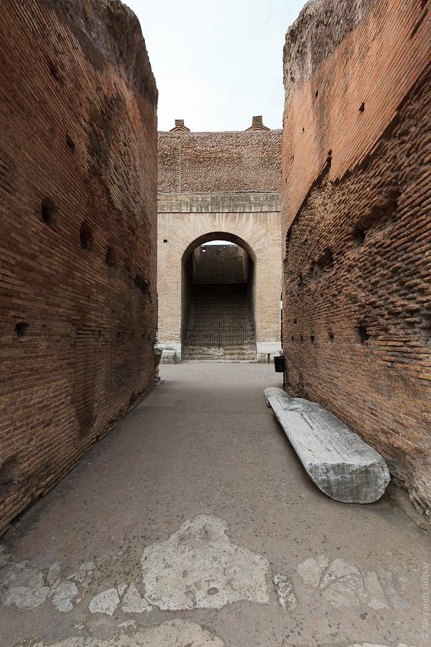 История строительства Колизей в Риме (Италия).