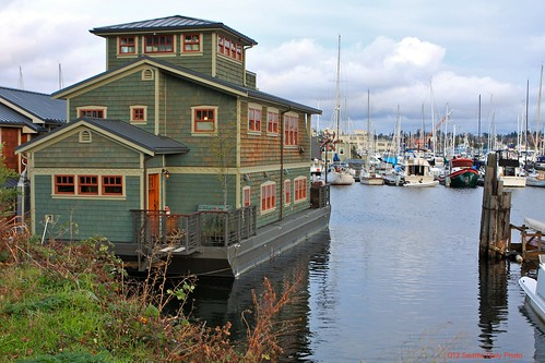 My Favorite Houseboat by Seattle Daily Photo