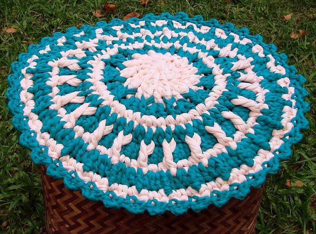 Napperon mandala em trapilho ou fio de malha rag crochet - Napperon crochet chemin de table ...