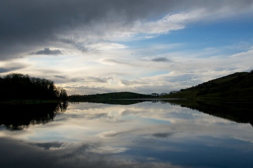 ireland lake reflection clouds lough day cloudy limerick gur