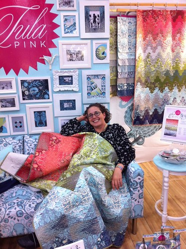 Rebecca testing the Salt Water quilt