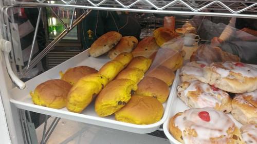Saffon buns